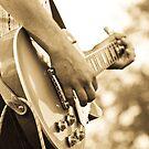 Dan Sultan - Guitar by Amy Skinder