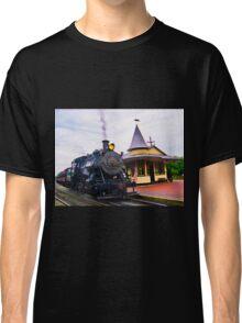 Locomotive Steam Engine Classic T-Shirt