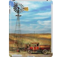 Country - ND - Dirt farming 1936 iPad Case/Skin