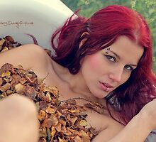 Autumn leaf bath by Moijra