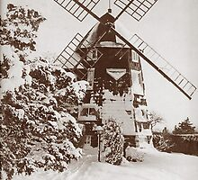 Winter Windmill by andytechie