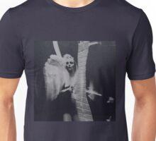 L'ANGE DE THUJONE Unisex T-Shirt