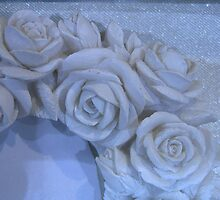 Rosebud picture frame by spottedmagpie