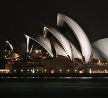 Sydney Opera House by zhivan