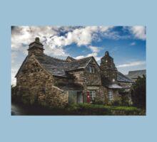 Medieval Post Office, Tintagel, Cornwall. UK Kids Tee