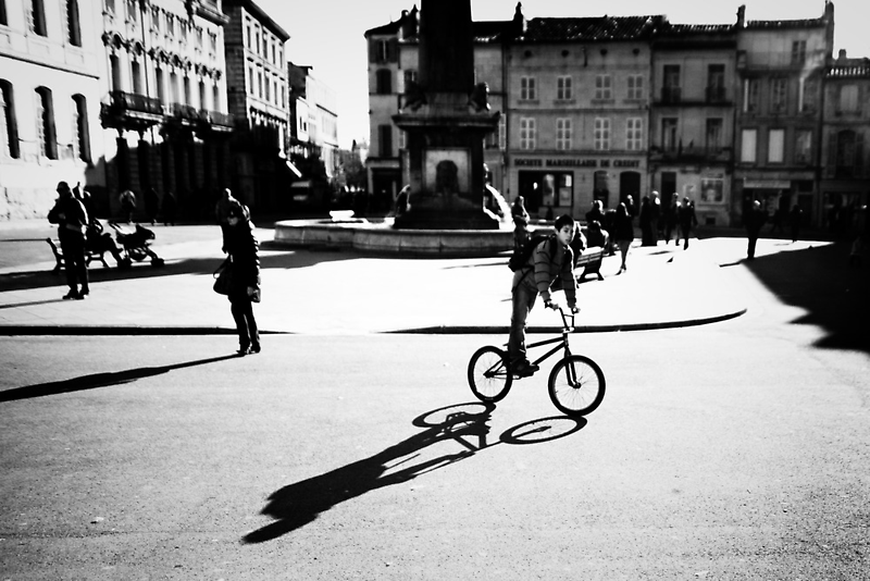 Sunny Plaza - Arles, France - 2010 by Nicolas Perriault