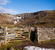 Malham: Limestone country by Shaun Whiteman