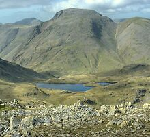 Great Gable and Sprinkling Tarn by Jamie  Green