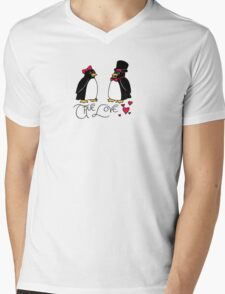 Penguin Love Mens V-Neck T-Shirt