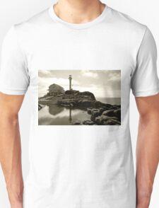 Cape Forchu Lighthouse, Yarmouth, NS Unisex T-Shirt