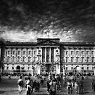 Buckingham Palace by Yhun Suarez