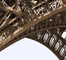 detail of Eiffel tower by domimage