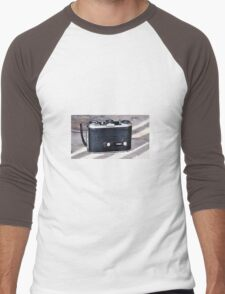 Old camera Men's Baseball ¾ T-Shirt