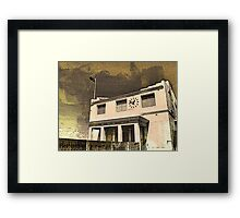 """""""OZ ICON - COOGEE"""" Framed Print"""