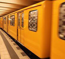 Gelb Bahn by Emma Holmes