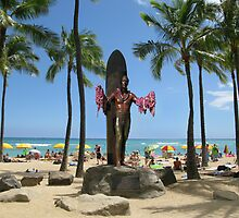 Duke Paoa Kahanamoku Statue at Waikiki Beach by aura2000