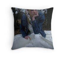 runaway bride 04 Throw Pillow