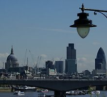 Lamp on Jubilee Bridge, London by BronReid