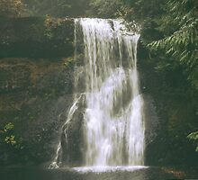 Upper North Falls by WaterInMotion