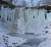Minnehaha Falls From Below by pshootermike