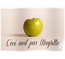 Ceci n'est pas Magritte - pomme Poster