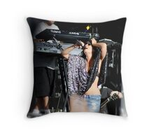 Lily Allen, Too darn hot! Throw Pillow