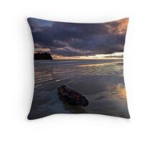 Charred mandarin dawn Throw Pillow