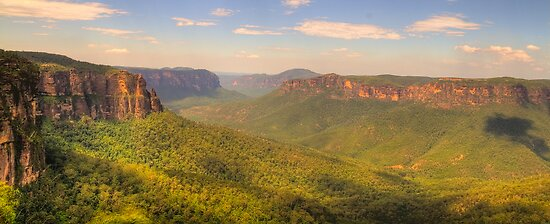 True Blue - Govetts Leap - Blue Mountains World Heritage Area , Sydney - The HDR Experience by Philip Johnson