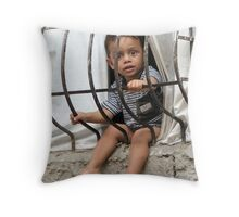Ready to fly away Throw Pillow