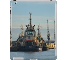 Tug On The River Medway iPad Case/Skin