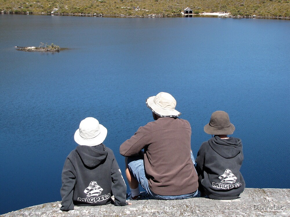 Magpies' fans on Tassie holiday by DianneLac
