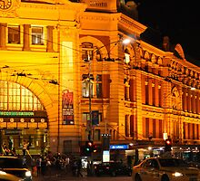 Panorama of Flinder Station, Melbourne by Mariel Campos