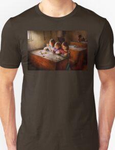 Teacher - Classroom - Education can be fun  T-Shirt