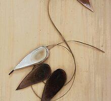 Seedpod bird by carrolk