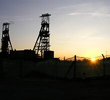 Sunset, Clipstone Headstocks by Jodie  Davison