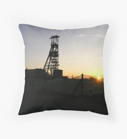 Sunset, Clipstone Headstocks Throw Pillow
