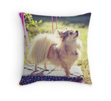 Perfect poser Throw Pillow