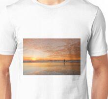 """Catching"" the Sunrise -Main Beach Qld Australia Unisex T-Shirt"