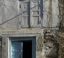 Double double doors by Marjolein Katsma