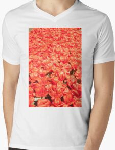 "Tulipa ""Giant Orange surprise"" Mens V-Neck T-Shirt"