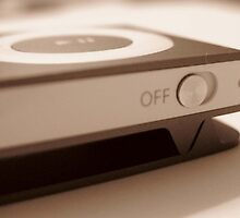 ipod shuffle  by millymuso
