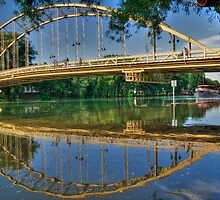 Bridging arcs by zumi