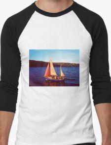 Red Sails In Broad Daylight ~ Loch Ness Men's Baseball ¾ T-Shirt
