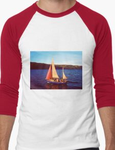 Red Sails In Broad Daylight ~ Loch Ness Men's Baseball ¾ T-Shirt
