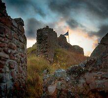 Urquhart Castle by planetloco