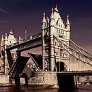 Tower Bridge by Frank Waechter