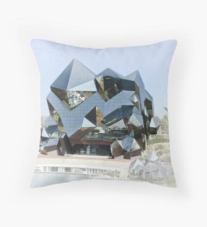 Le Kinémax Throw Pillow