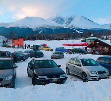 Parking lot by zumi