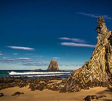 Glasshouse Rocks. by Bette Devine