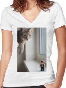 Solo Women's Fitted V-Neck T-Shirt